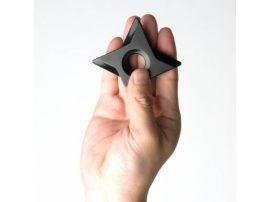 Shuriken dobócsillag hűtőmágnes - Meghökkentő díszítőelem a konyhába!
