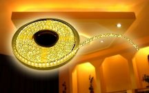 Melegfehér 5 méteres LED szalag adapterrel - Dobd fel a környezeted!